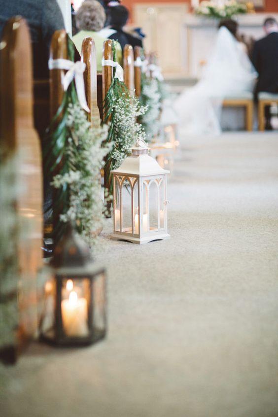 dekoracja kościoła z gipsówką