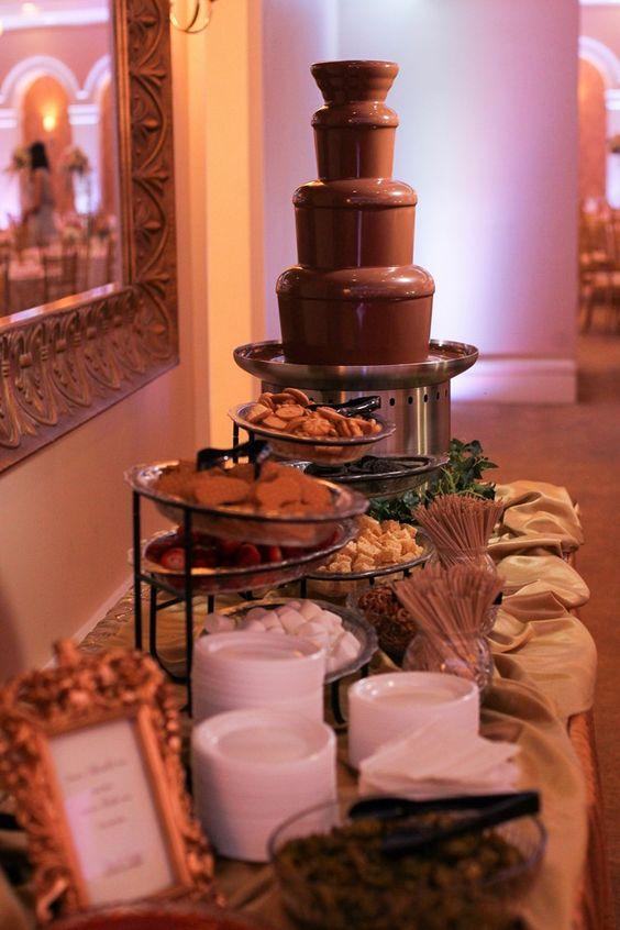 atrakcje weselne czekoladowa fontanna