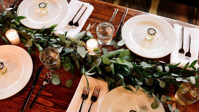 świece w dekoracjach ślubnych